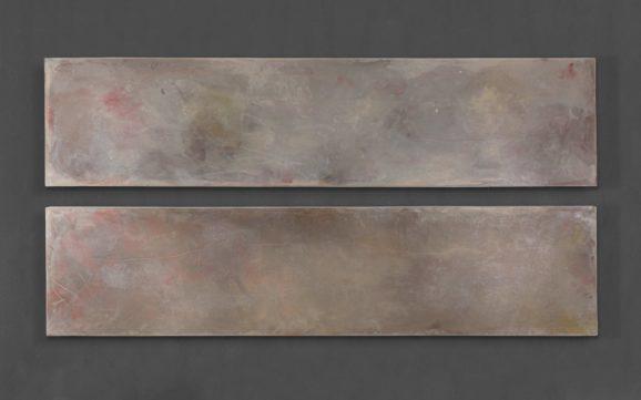 Subkutan B, 2004, jeweils 195 x 55 x 6 cm, Paraffin, Tuch, Holz